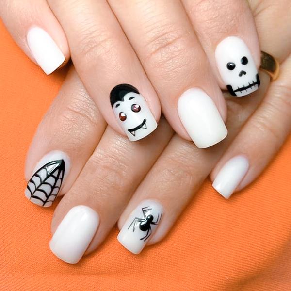 Nail art Halloween teschi