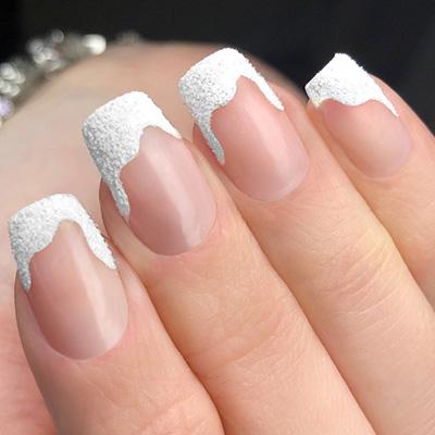 Nail Art effetto neve natalizia