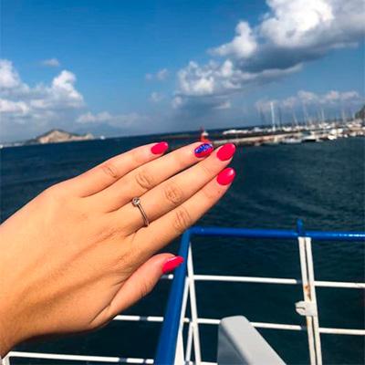 nail art unghie rosse